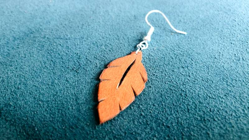 how to make leather leaf earrings